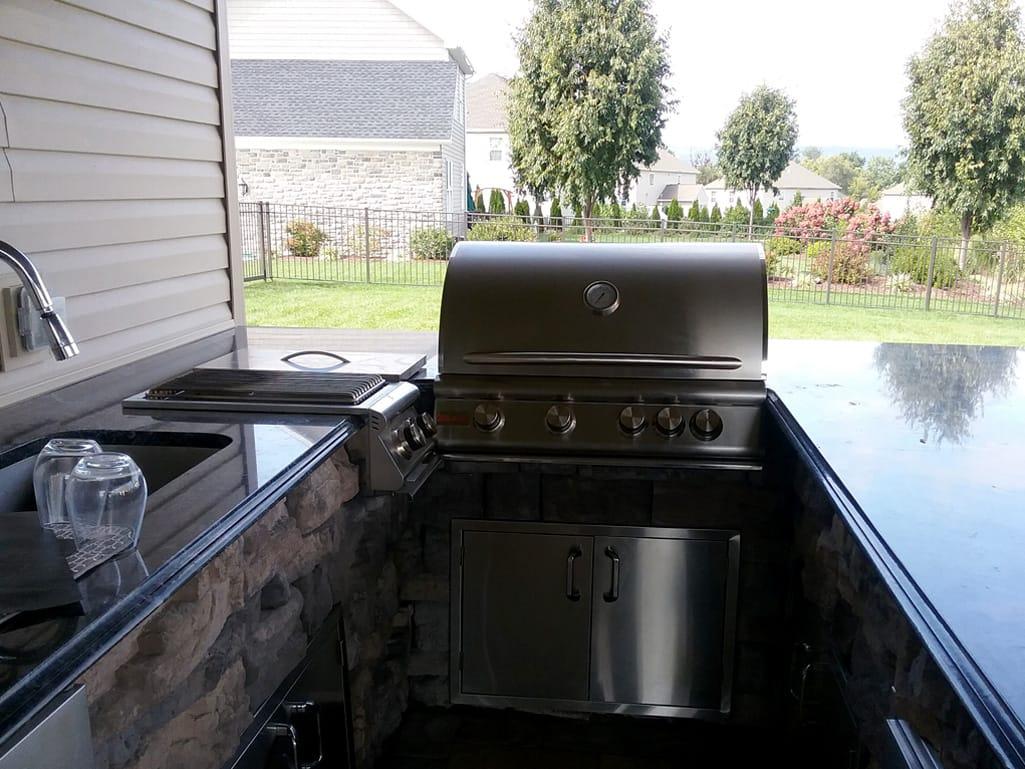 Outdoor Grill & Side Burner