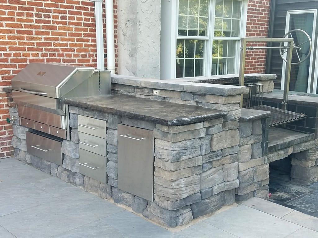 Outdoor kitchen with Belvedere block