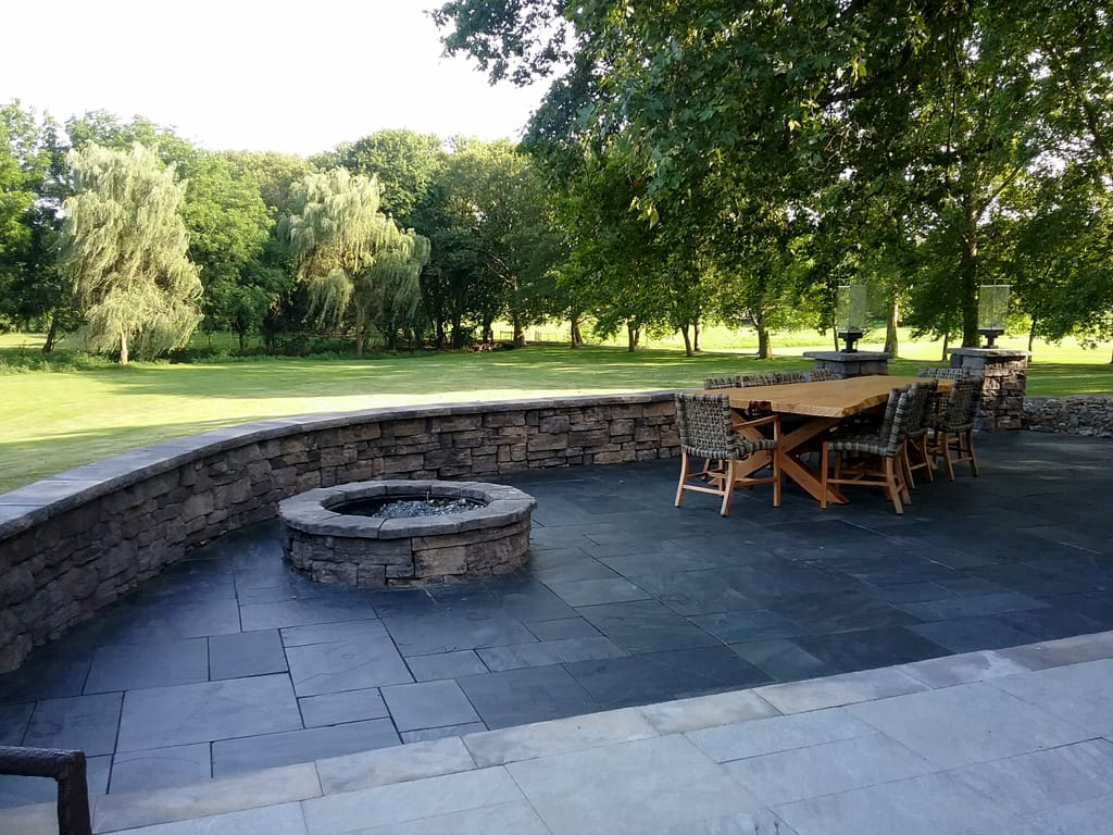 Belvedere fire pit & sitting wall