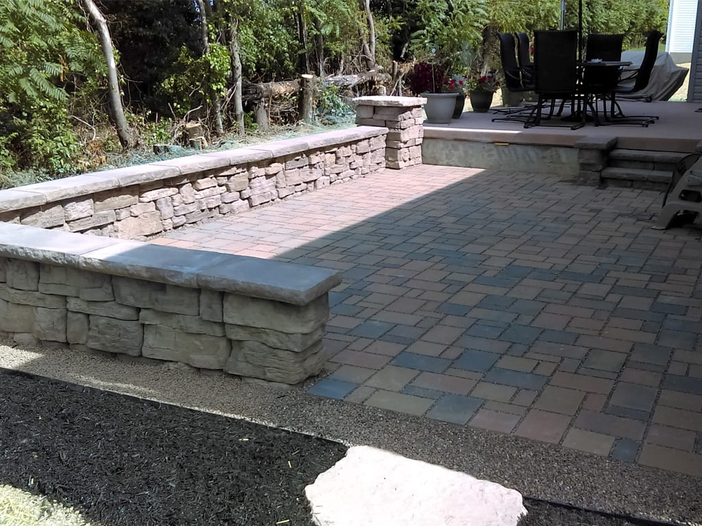 Eco Dublin Silex Blend Permeable Paver Patio with sitting wall and columns