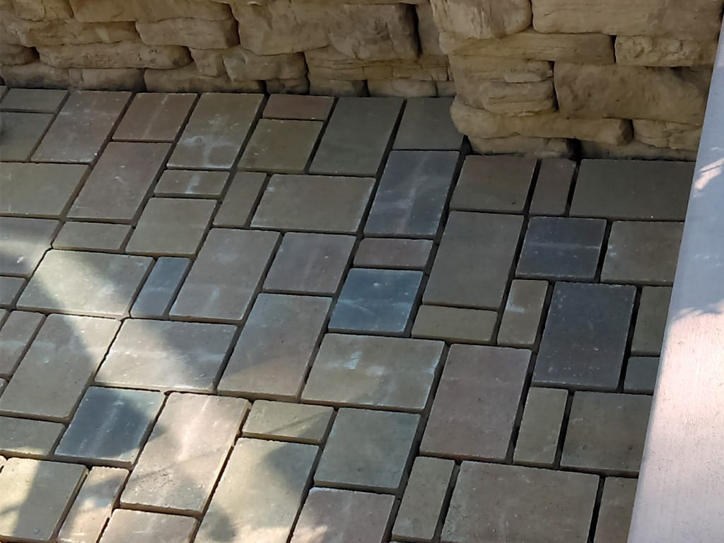 Eco Dublin Silex Blend Permeable Paver Patio & Saddle Belvedere sitting wall