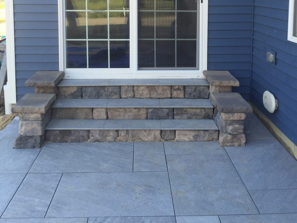 Quartziti Waterfall steps & patio with Belvedere walls