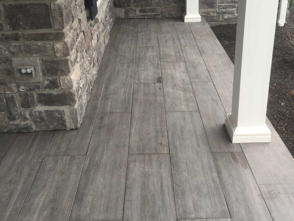 Front porch with Sundeck wood finish in spirit tile