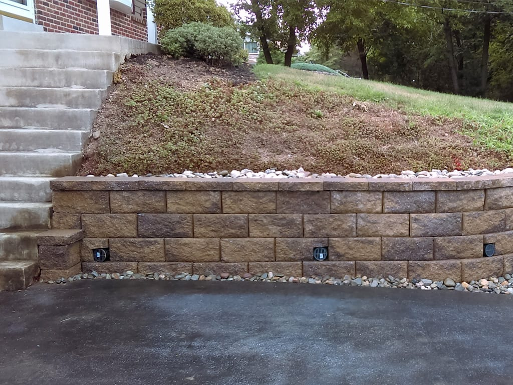 Diamond Pro small retaining wall in mesquite