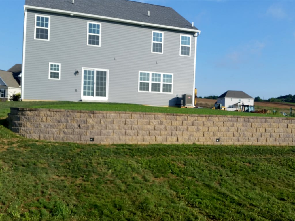 Diamond Pro retaining wall in mesquite