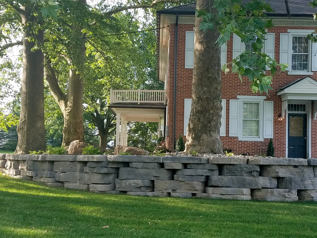 Extended view of outcropping wall and caps